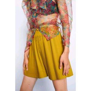 NEW Zara pleated shorts